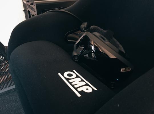 Ein virtual-reality-Headset in einem Simulator